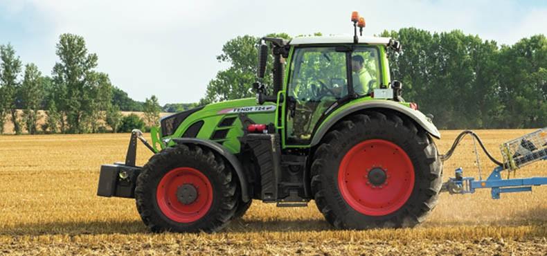 Колёсный трактор Fendt 700 Vario